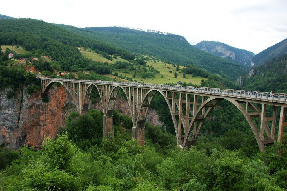 Osupljivi most Đurđeviča Tara