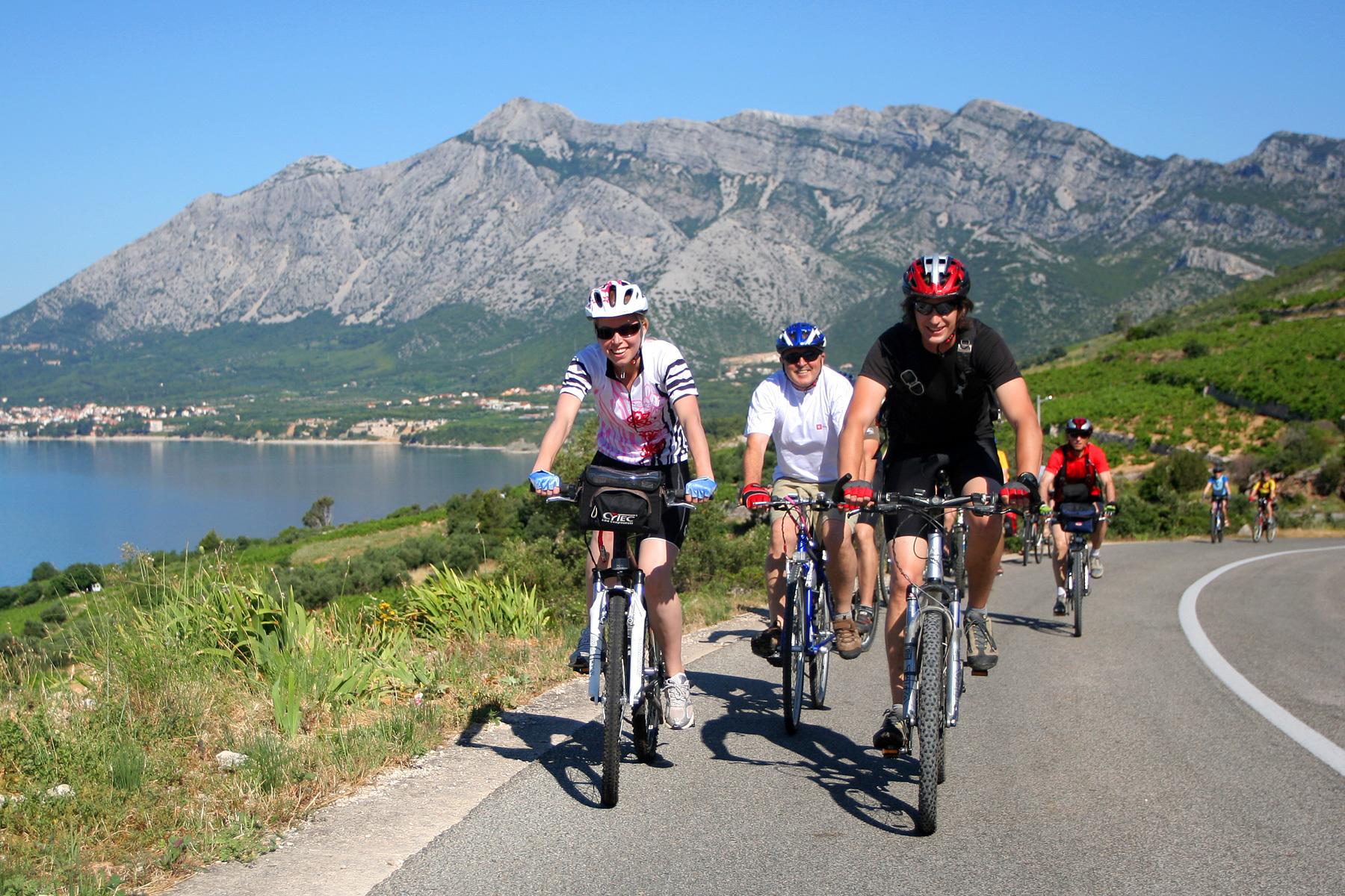 Prvi dan kolesarjenja se začne na morju v Dalmaciji