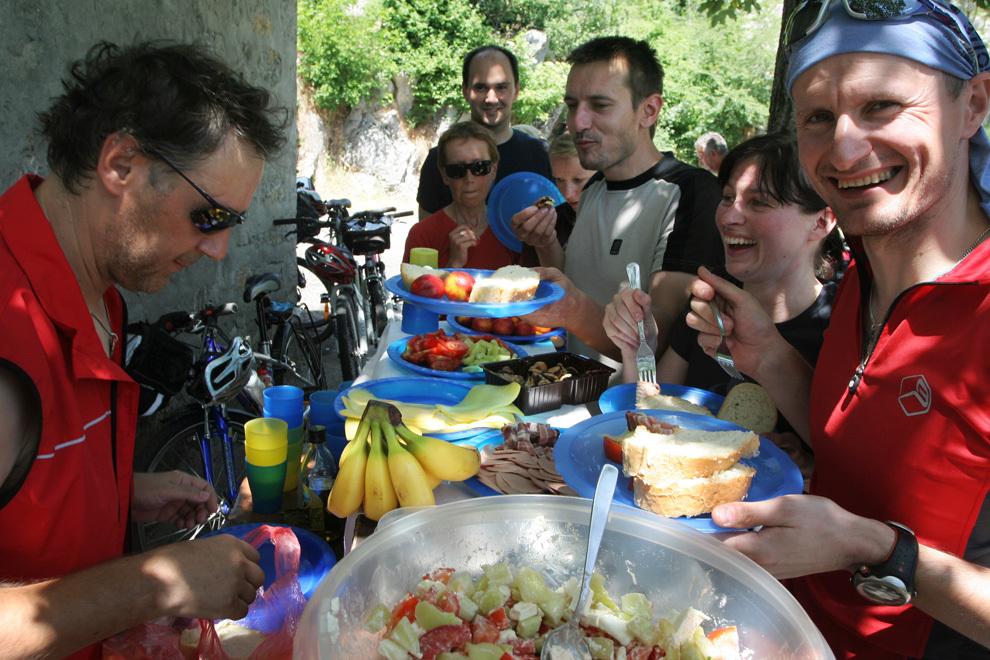 Piknik kosilo na vroč poletni dan