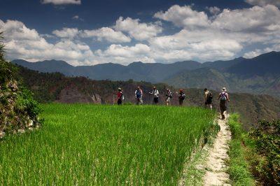 Hoja po robovih med riževimi terasi je nepozabno doživetje