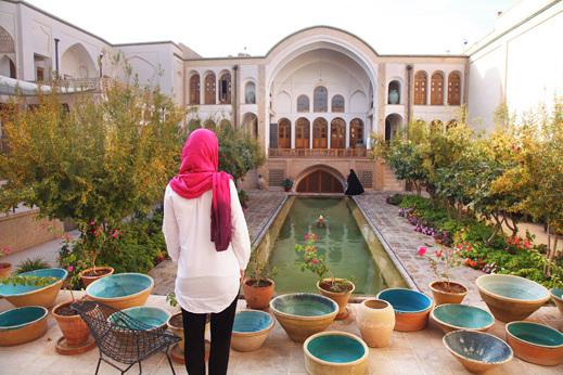 Stare vile navežejo stik s stoletji staro arhitekturo in tradicijo Perzije