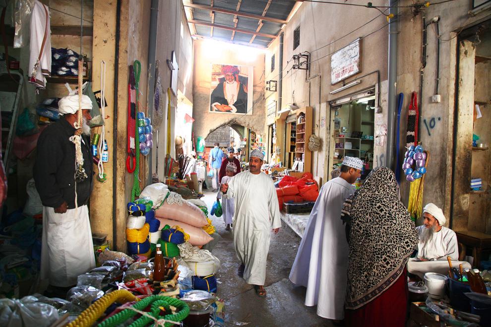 Oman z džipi
