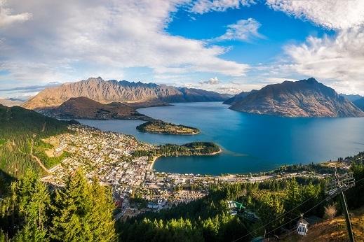 Adrenalinska prestolnica Queenstown leži ob jezeru Wakatipu