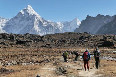 Himalajo je potrebno spoštovati in priti na trek dobro fizično pripravljen in primerno opremljen. Vendar pa je še vseeno to pot, ki jo zmore običajen zemljan in ne potrebuješ biti športni prvak. Poti so dobro uhojene in tehnično nezahtevne.
