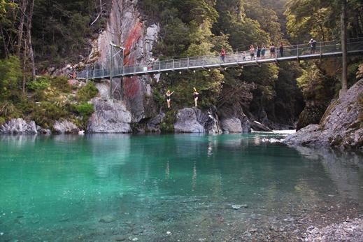 Potovanje Nova Zelandija - Eden od skritih kotičkov na poti proti Zahodni obali.