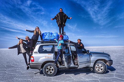Štiridnevna avantura s terenskimi vozili po slani puščavi Salar de Uyuni