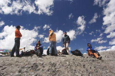 Ladak pomeni »dežela prelazov«. Tudi na naši poti prelazov ne manjka.