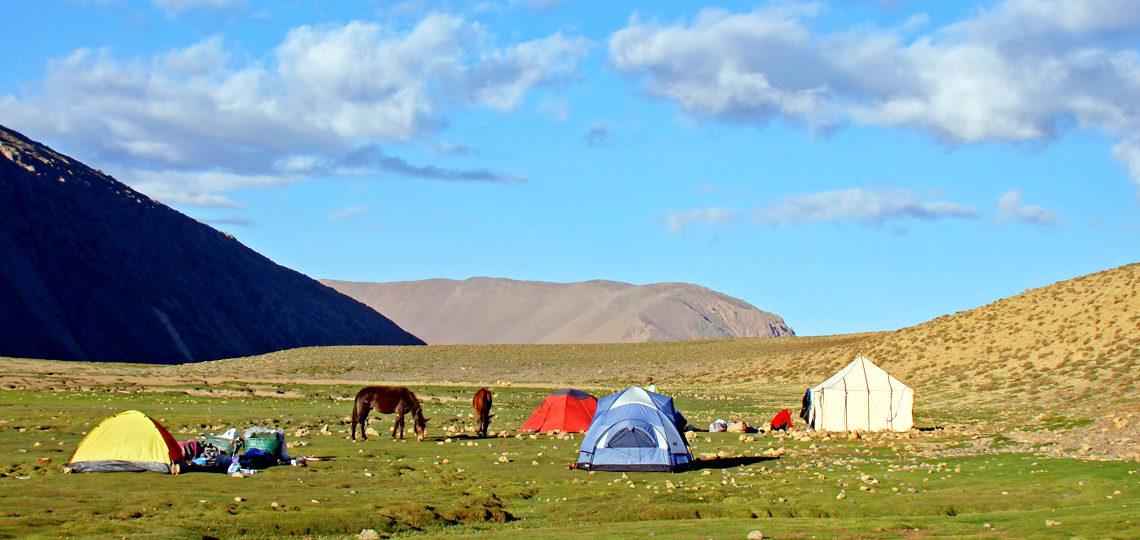 Bivouac sur le plateau de la Tarkeddit, dans l'Atlas